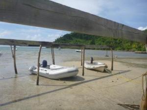 dinghy tied up low tide