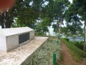RLS tomb with requiem poem on side